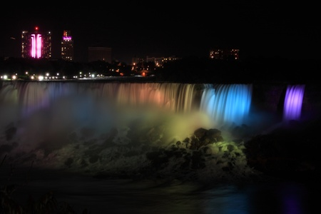 Niagara falls at night Фото со стока - 11120453