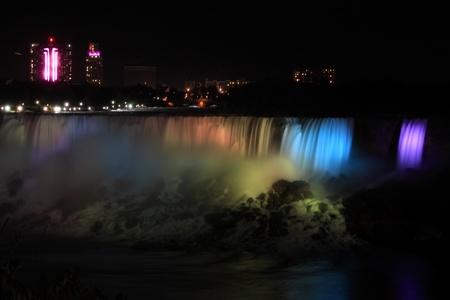 Niagara falls at night Фото со стока