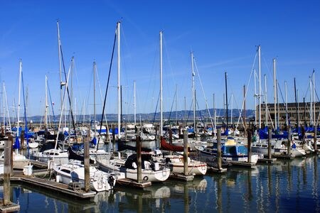 A line of boats in Pier 39 in San Francisco Фото со стока - 12754452