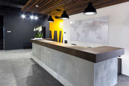 Urząd nowoczesne wnętrza - Recepcja w nowoczesnym biurze firmy Zdjęcie Seryjne