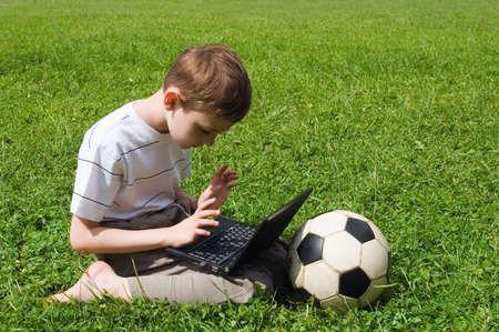 Junge mit computer