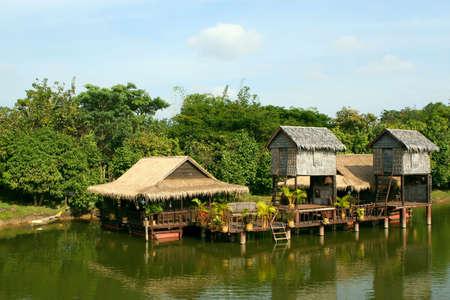zancos: Casas sobre pilotes. Siem Reap. Camboya. Foto de archivo