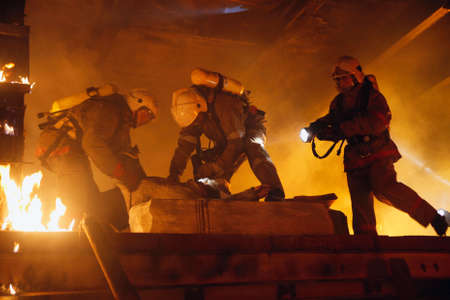 Rescue Team Hilfe Unfall Opfer Standard-Bild