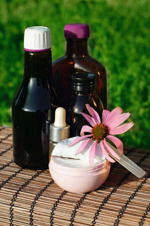 tincture: Echinacea in alternative medicine (oil, cream,tincture). Imunnomodulirujushchie products
