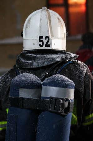 Brandweerman, gaan om te redden in een brand.