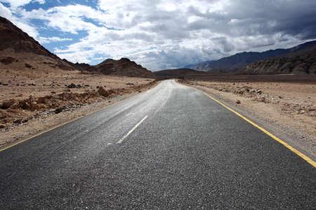 Road to Bergen. Himalayan malerisch. Ladakh. Indien Standard-Bild - 11032639