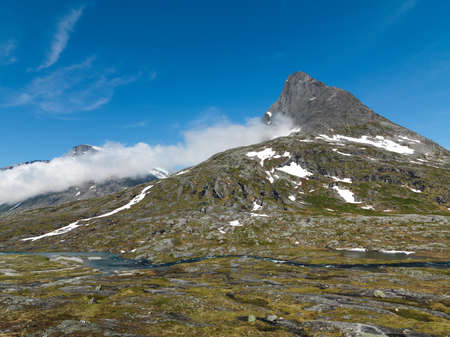 norwegian: norwegian mountains