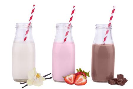 Flaschen Milch Standard-Bild - 33951437