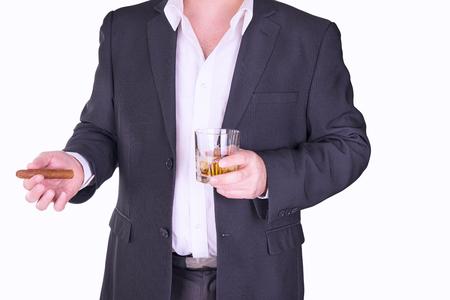 tomando alcohol: Consumici�n del hombre y el tabaquismo