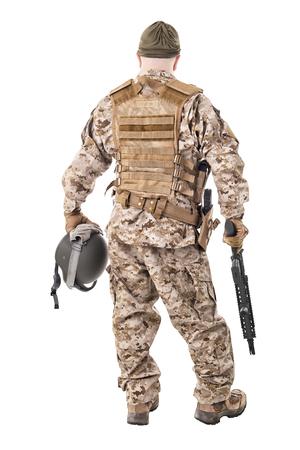 soldado: Soldado en uniforme, listo para luchar