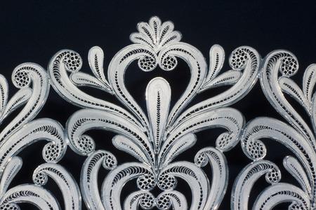 little masterpiece of art in golden or silver filigree