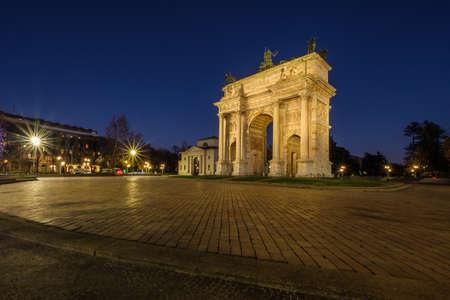 Porta Sempione. Milan, Italy. December 17, 2017 Imagens
