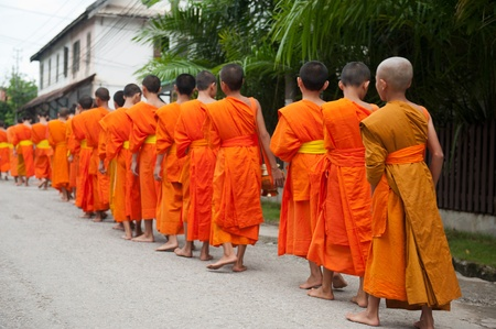 monks: Collecting Alms