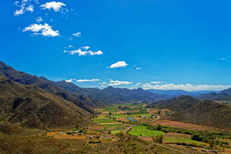 Fertile Koo Valley in Western Cape, South Africa, with farm lands and road Zdjęcie Seryjne