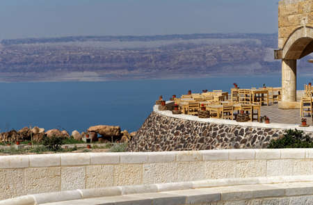 View over the terrace of the museum at the Dead Sea in Jordan with the mountains of Israel on the opposite bank, middle east Banque d'images