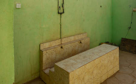 Open washbasin in a Nubian guesthouse, used for daily hygiene as well as for ritual ablutions before Islamic prayer 版權商用圖片