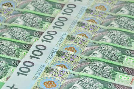 Polnische Banknoten Verlegung in eine Zeile 100 PLN Polen Standard-Bild - 17974228