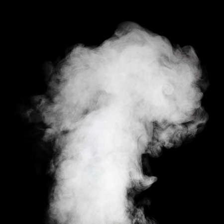 Echt weißer Dampf auf schwarzem Hintergrund mit sichtbaren Tröpfchen Standard-Bild - 27677997