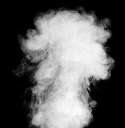 Echt weißer Dampf auf schwarzem Hintergrund mit sichtbaren Tröpfchen Standard-Bild - 28920446