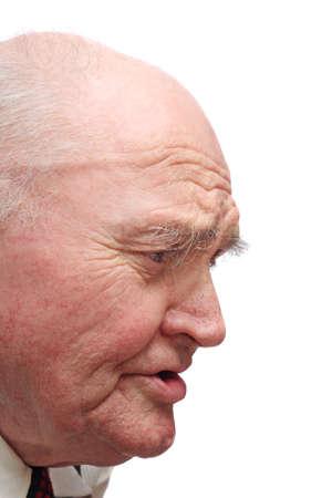 Side-view di alti uomo calvo, isolata su sfondo bianco
