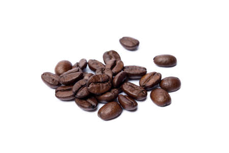 Roasted coffee beans isolated on white background Banco de Imagens - 154617763