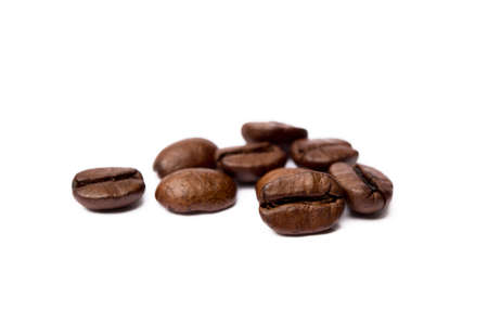 Roasted coffee beans isolated on white background Banco de Imagens - 155011791