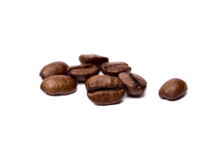 Roasted coffee beans isolated on white background Banco de Imagens - 155010837