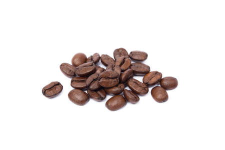 Roasted coffee beans isolated on white background Banco de Imagens - 155010882