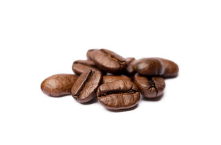 Roasted coffee beans isolated on white background Banco de Imagens - 155319154