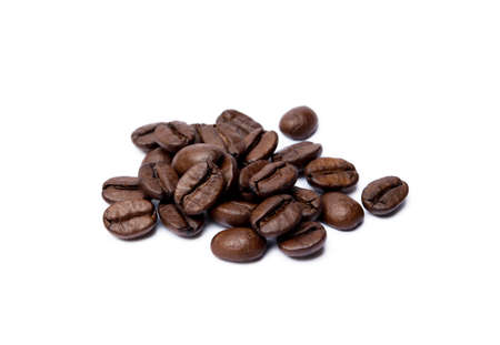 Roasted coffee beans isolated on white background Banco de Imagens - 156127726