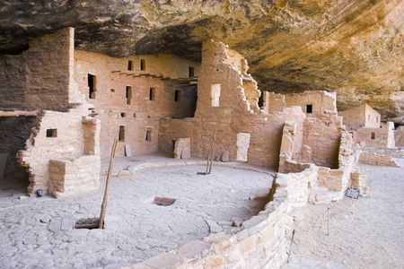 indian artifacts: Ancient ruins of pre-historic Indian cultures of American southwest and surroundings, Mesa Verde National Park Stock Photo