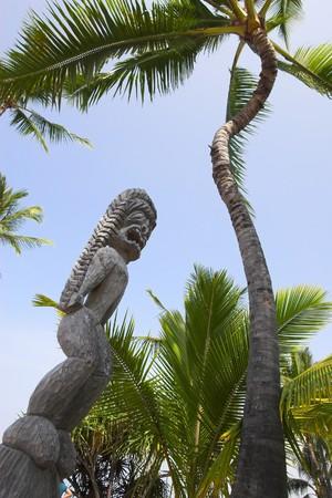 idols: Wooden statues of idols in Big Island Stock Photo