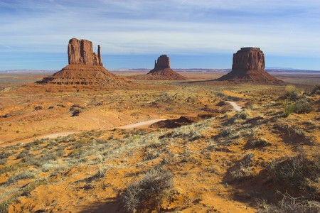 Place of pre-historic Indian cultures of American southwest and surroundings, Monument Valley 版權商用圖片 - 4527733