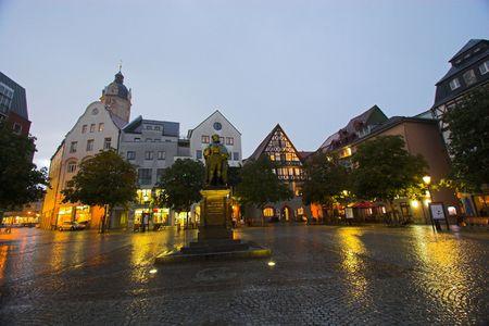 main market: La principale piazza del mercato a Jena, Germania Archivio Fotografico