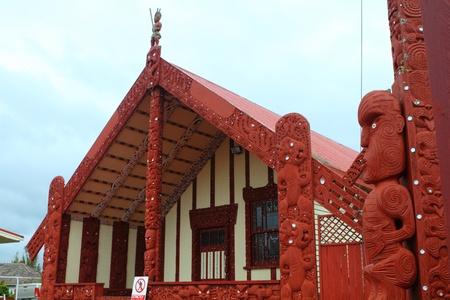 Traditioneel Maori vergadering huis in Rotorua, North Island, Nieuw-Zeeland