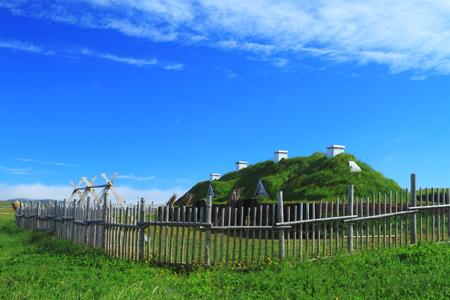 vikingo: Casas antiguas de los colonos vikingos en L Foto de archivo