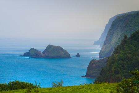 green  wave: Scenic view of beautiful Hawaiian coastline Stock Photo