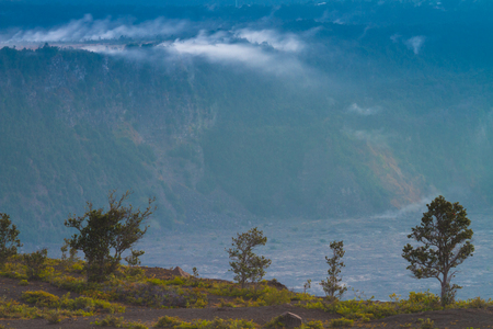 vents: Sulphur steam flowing from the volcanic vents in Hawaii Volcanoes National Park, Big Island, Hawaii
