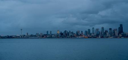 veiw: A veiw of the Seattle skyline at night.