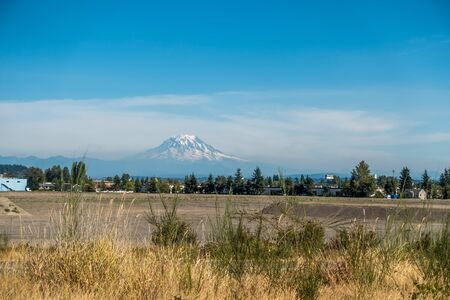 puget: A view of  Mount Rainier from Tacoma, Washington.
