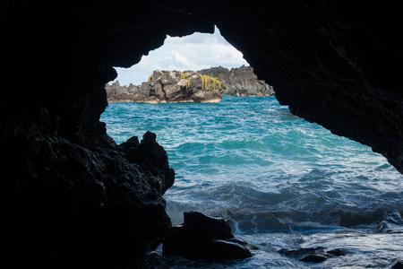 マウイ島、ハワイ ワイアナパナパ州立公園で海の方の眺め。