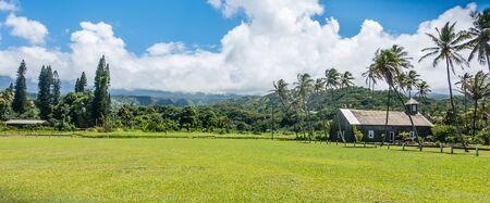 マウイ島、ハワイ Keanae 時点で古い教会の眺め。