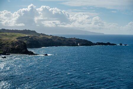 ノース ウエスト、マウイ島、ハワイの海岸の海岸線の眺め。 写真素材