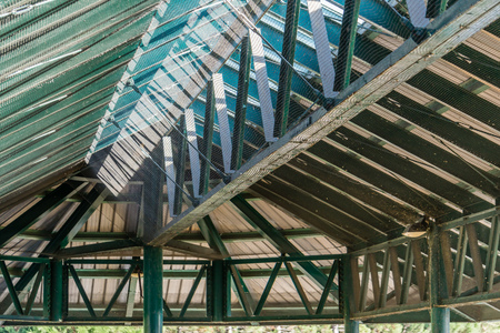 A view of the ceiling from inside a pafilion at Gene Coulon Park in Reonton, Washington. Фото со стока
