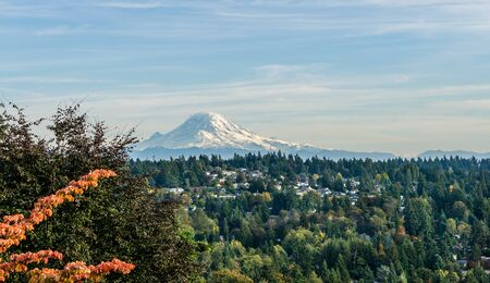 A landscape view of Mount Rainier from Burien, Washington in the fall. 写真素材