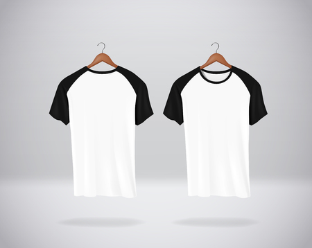 Baseball T-Shirts Mock-up clothes hanging isolated on wall, blank front and rear side view. Stockfoto - 125298552