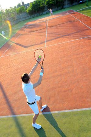 30 s: Man Playing Tennis