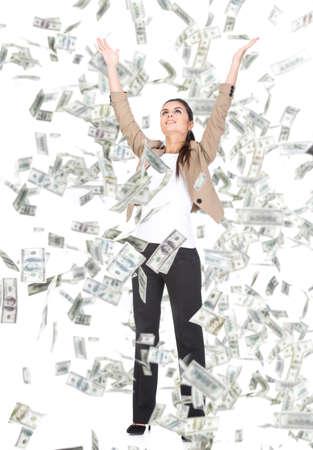 Femme d'affaires et de l'argent des billets jeunes qui volent dans l'air sur le fond blanc.