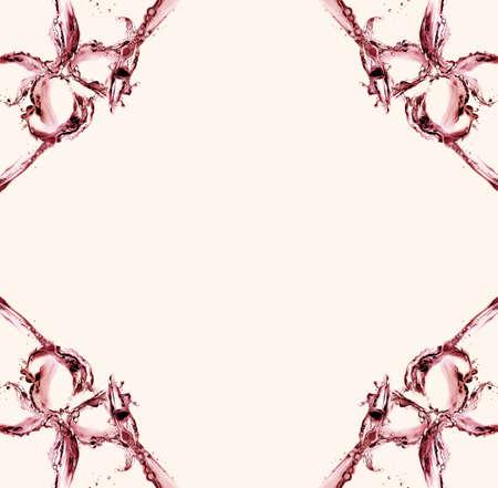 울리는 모션에서 물의 만든 두 종의 빨간 종으로 만든 프레임. 스톡 콘텐츠 - 82791600