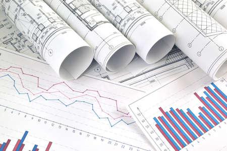 Rysunki fotograficzne do prac inżynierskich projektowych z wykresami i diagramami
